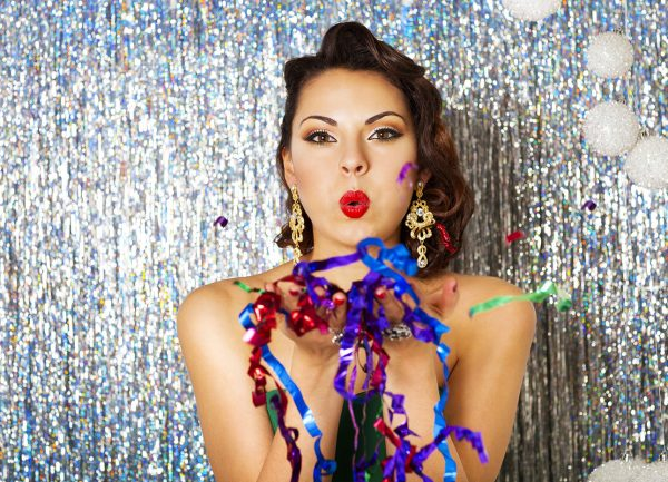 If Hiring A Makeup Artist Isnt Part Of Your Holiday Party Planning These Tips Are Sure To Make Prep Fun And Easy Find Fresh Vibrant